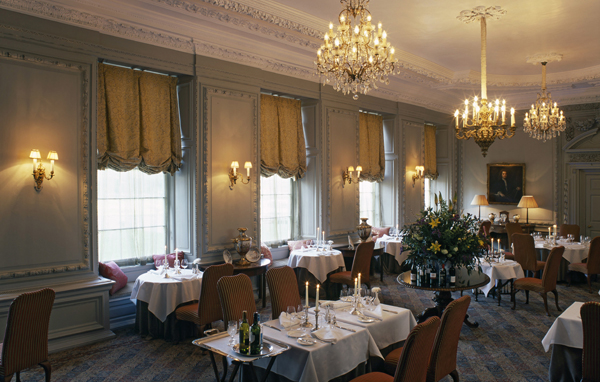 Great british golf breaks stapleford park 19th hole for Dining at at t park