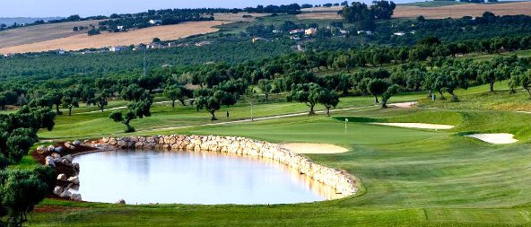 arcos-gardens-golf-green